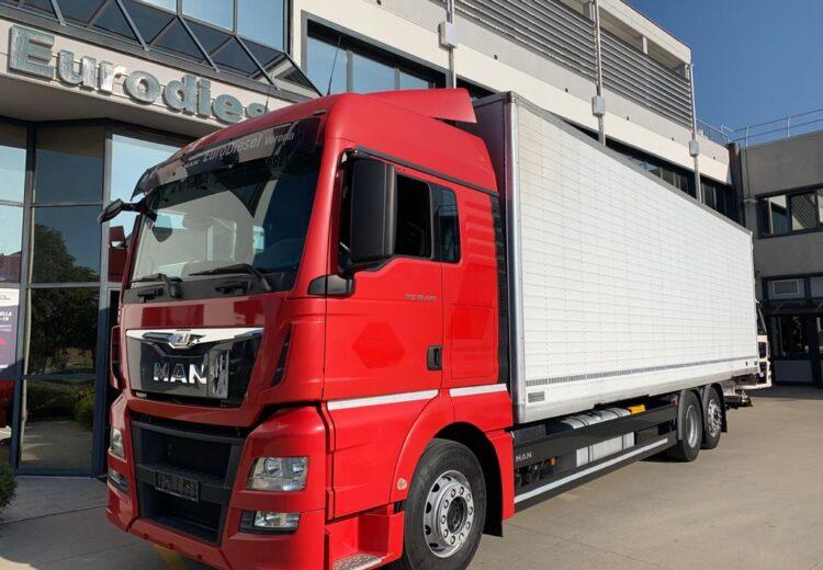 man tgx 26.440 furgone con sponda